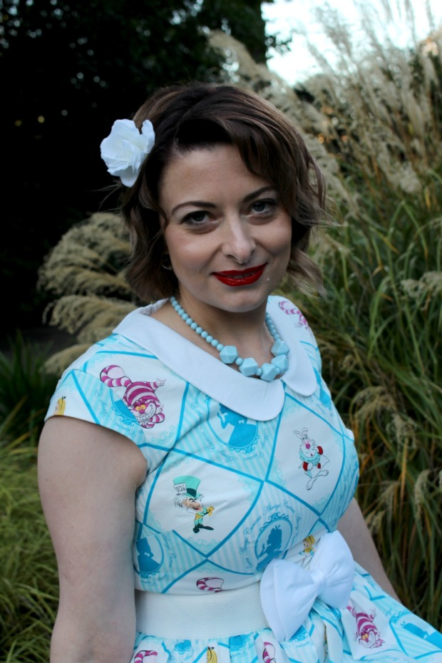 Alice in wonderland pinup rockabilly photo shoot 10